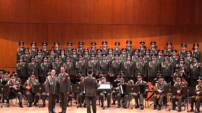 Aleksandrovtsy-v-Prage Чехи поют «Катюшу»