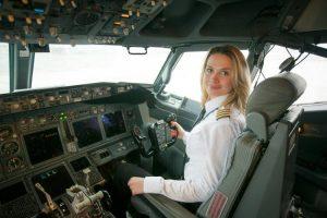 Belavia pilot zena В авиакомпании «Белавиа» приступила к работе первая женщина-пилот
