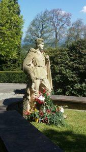 Bessm Polk Karlovy Vary Hrbitove Новости Чехии Бессмертный полк День Победы