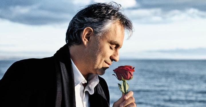 Bocelli Pevec Бочелли поет рождественские песни