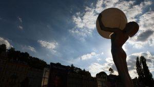 Karlovy vary Kinofestival Международный кинофестиваль в Карловых Варах открылся в 50-й раз