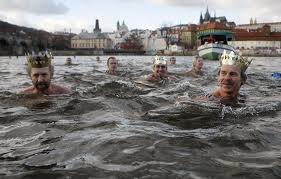 Morzi V Prage Рождественский праздник моржей
