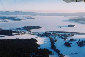 Ozero Lipno Zima Марафон на льду озера Липно