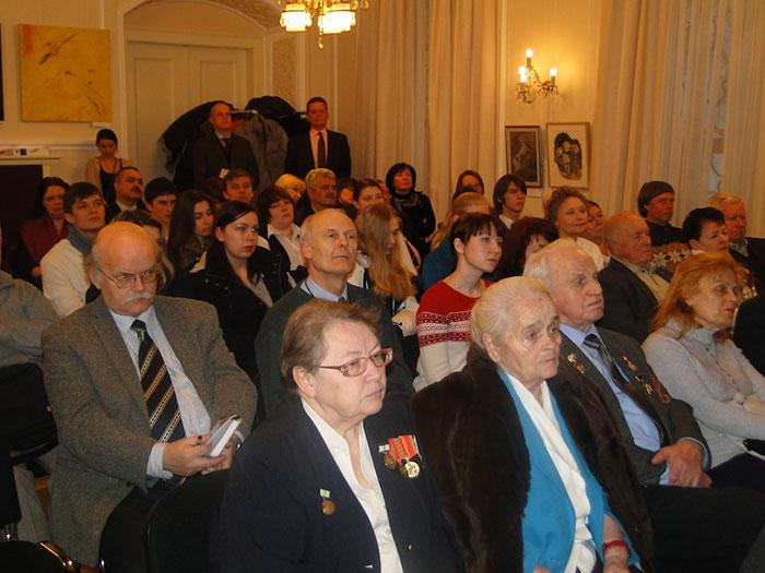 Российские соотечественники в Чехии. В первом ряду - люди, пережившие блокаду Ленинграда