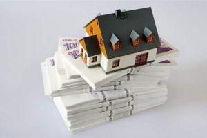 Граждане, выплачивающие ипотеки, лишатся десятков тысяч крон