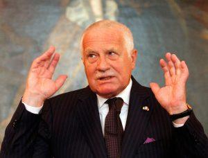 Экс-президент Вацлав Клаус обвинил Запад в безответственности по отношению к Украине