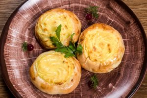 Шаньги картофельные Шаньги картофельные пермская кухня в Чехии