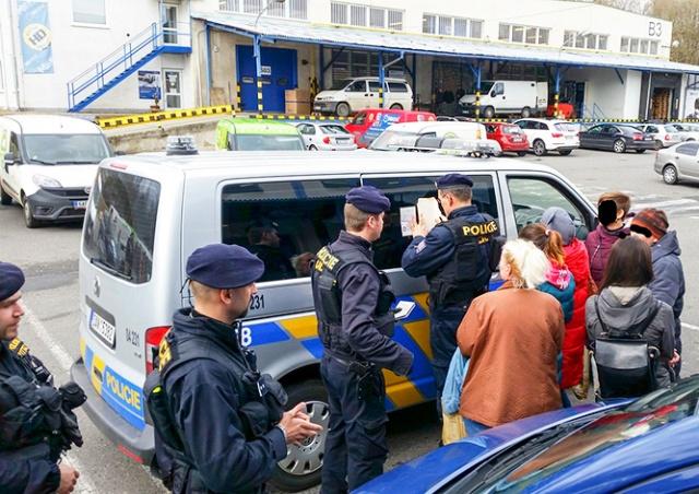 Migranty Nelegaly V Cesku
