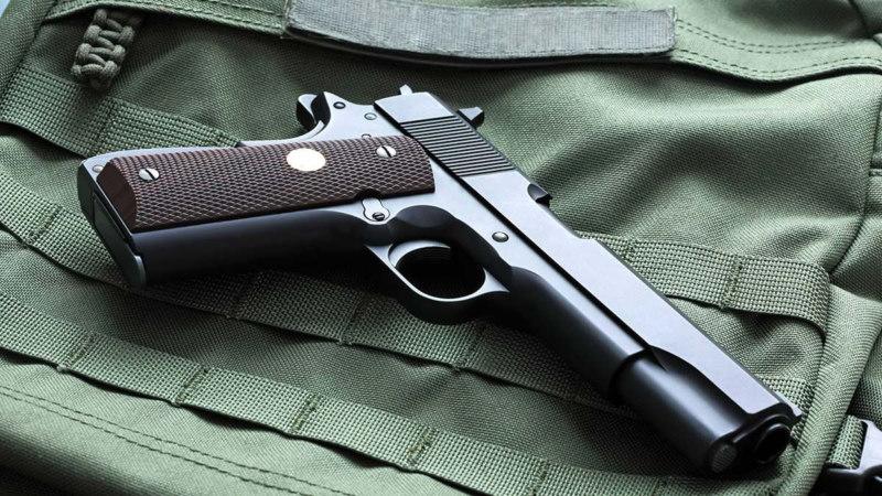 Pistolet Colt M 1911 Avtor Anatoly Vartanov