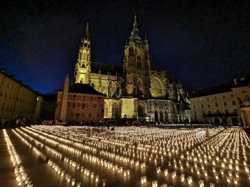 Praha Prazsky Hrad 30 Tisic Svecej Obeti Covid
